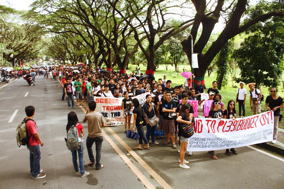 UP students march against budget cut