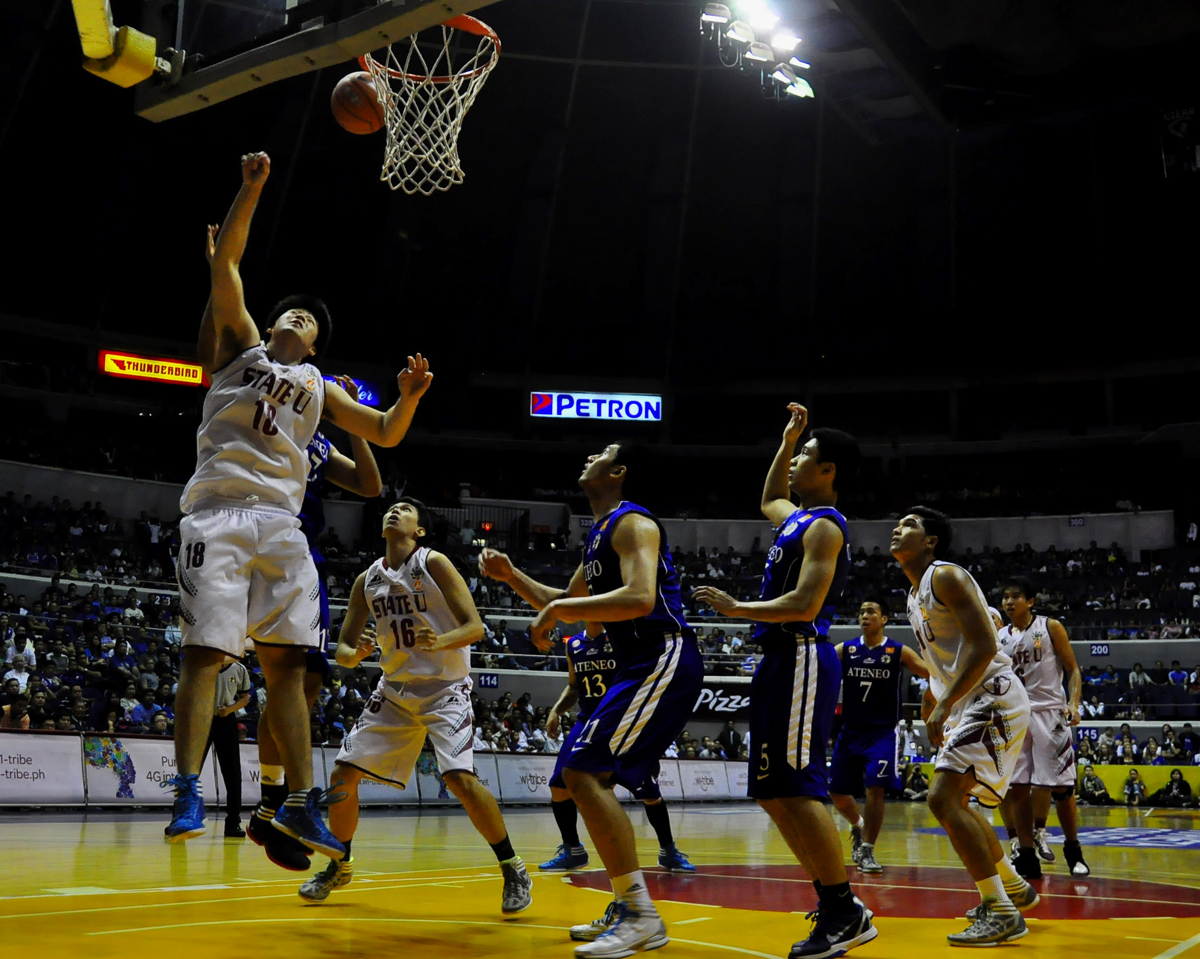 UP no match for Ateneo, suffers third straight loss